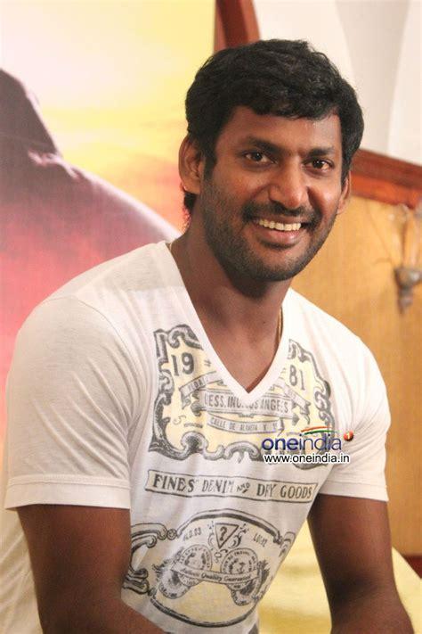 actor vishal romance vishal krishna photos vishal krishna images pictures