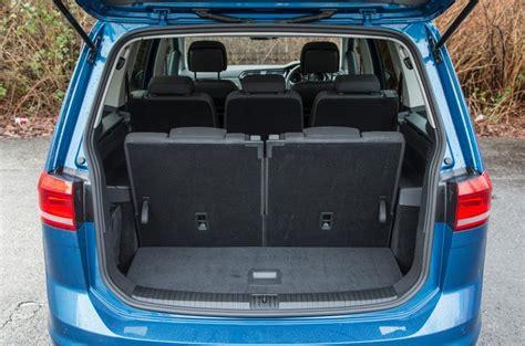Kofferraumvolumen Vw Touran by Volkswagen Touran Review 2017 Autocar