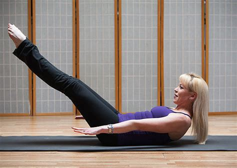 abs pilates 100s the all abs workout popsugar fitness uk