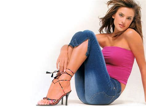 Pictures Of Alessandra Ambrosio by All Alessandra Ambrosio Pics And Wallpapers