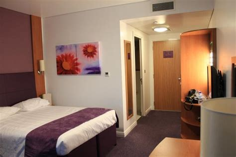 cozy and comfortable picture of premier inn abu dhabi comfortable bed and soundproof walls picture of premier
