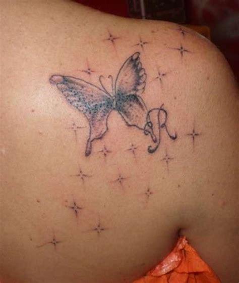 tatuaggi farfalle e fiori di pesco tatuaggio farfalla e fiori di ciliegio jpg