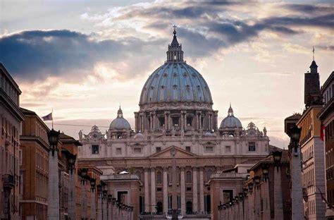 s sede vaticano dos detenidos por sustraer documentos reservados