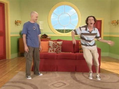 upside  show mini golf tv episode