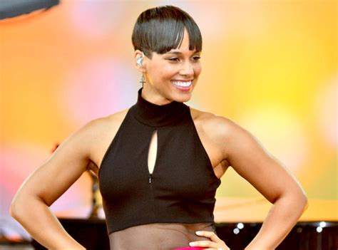 alicia keys new haircut glam scoop kerry washington covers glamour labor day