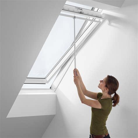 Velux Dachfenster öffnen 6285 zubeh 246 r f 252 r velux dachfenster