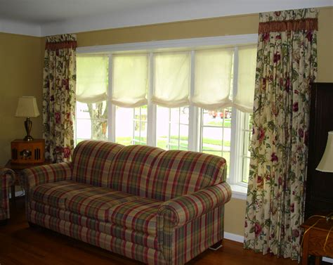 how to dress a large window dress up that bay window 187 susan s designs