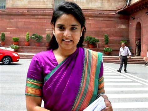 kannada film actress ramya age ramya true age exact age of ramya sandalwood queen