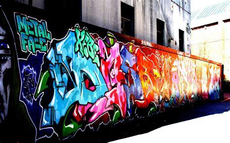wallpaper urban graffiti graffiti urban art paint buildings wallpaper 1920x1200