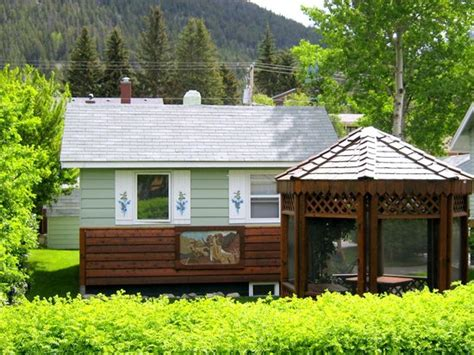 Cabins In Banff by Banff Beaver Cabins From 184 Updated 2017 Reviews