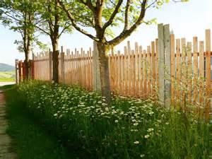 gartengestaltung zaun zaun sichtschutz natur holz gartengestaltung gartenbau