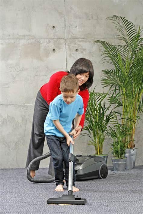 Kinder Helfen Im Haushalt 3224 by Wie Kinder Im Haushalt Helfen K 246 Nnen Kinder De