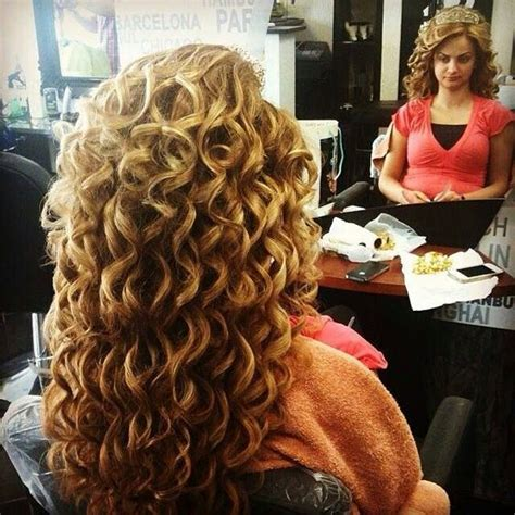 is there a difference between a spiral perm that just a regular perm what is the difference between a stacked perm and a spiral