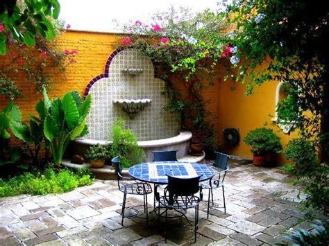Mexican Garden Ideas Best 25 Mexican Courtyard Ideas On Haciendas Mexican Hacienda Decor And Mexican