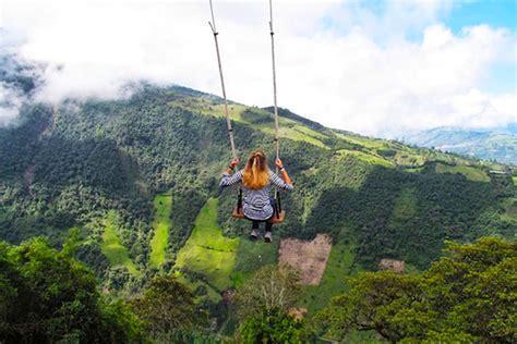 Amazing Tiny Treehouse Boasts the World?s Wildest Swing