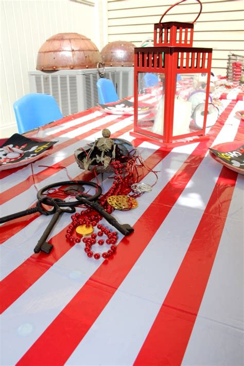 pirate themed party entertainers pirate theme party table decoration kid s party