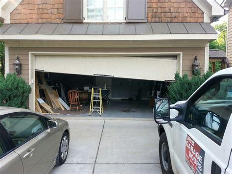 Garage Door Repair Fayetteville Ga Garage Door Emergency Repair In Newnan Ga 678 916