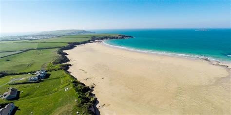 beaches near plymouth a guide to padstow padstow beaches cornwall beaches