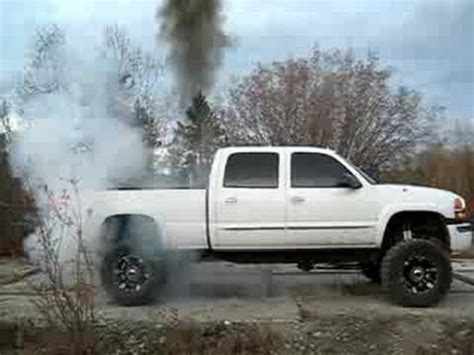 Lifted Duramax Brake Stand - YouTube Lifted Duramax Diesel Blowing Smoke