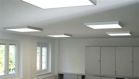 beleuchtung lagerhalle led beleuchtung f 252 r lagerhallen produktionshallen und b 252 ros