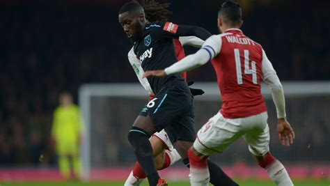 arsenal west ham carabao hammers out of carabao cup after arsenal defeat west ham