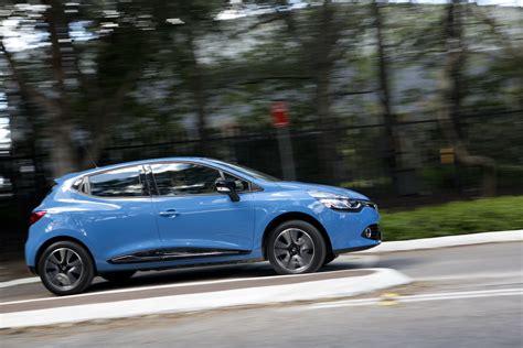 renault rio light car comparison renault clio v ford fiesta v kia rio