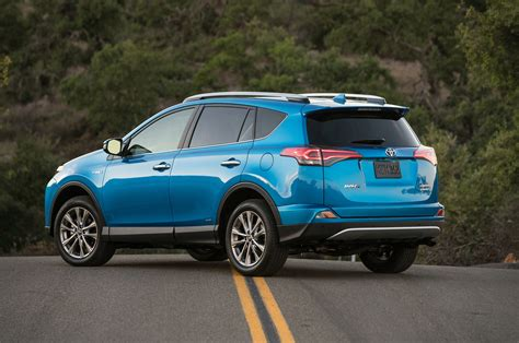 2017 toyota rav4 hybrid reviews and rating motor trend