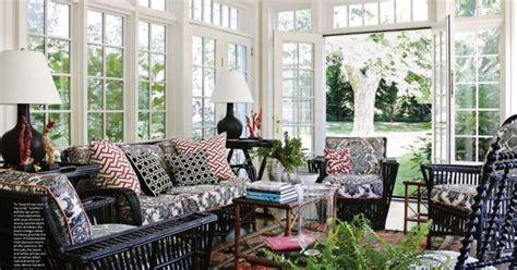 black red  white sunroom  lots  windows rob