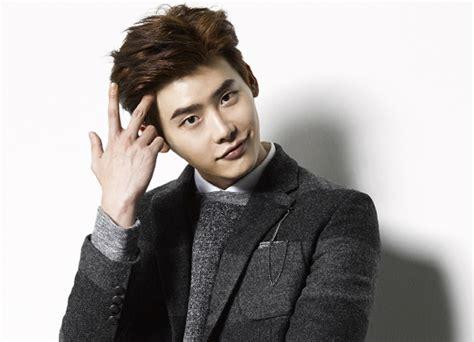 film lee jong suk pemeran utama lee jong suk considers lead in upcoming kbs drama