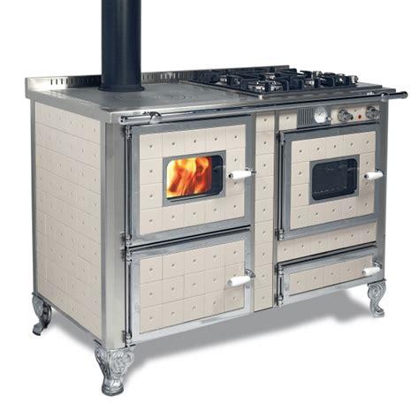 stufa a legna con forno e piano cottura prodotti wekos srl termostufe cucine a legna