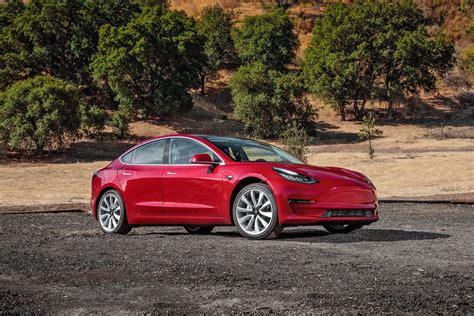Tesla In Tesla Model 3 Vs Chevrolet Bolt A Specs Comparison