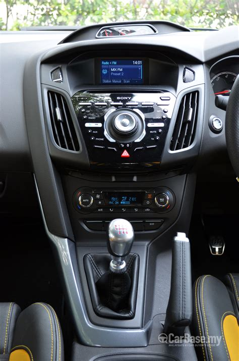 ford focus st mk   interior image  malaysia reviews specs prices carbasemy