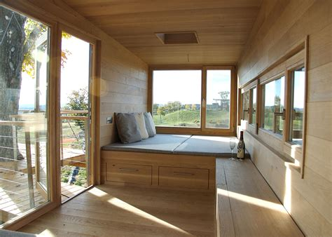 Modern Japanese Homes The Cliff House Is An Eco Treehouse Wrapped Around A Maple