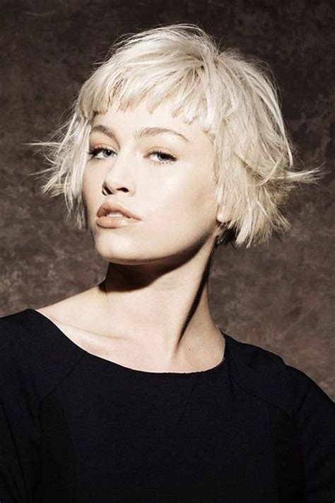 short bobs with flip fantastic flip out blonde bob cut short hair styles