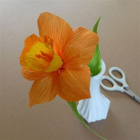 Crepe Paper Flowers - daffodil patterns for crepe paper flowers