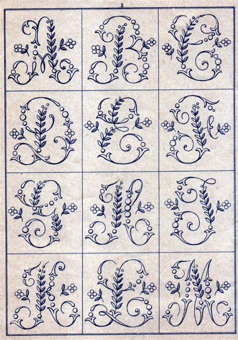 pattern maker en español gratis m 225 s de 20 ideas incre 237 bles sobre letras bordadas a mano en