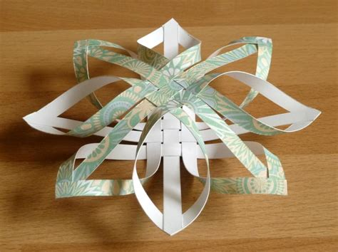 3d Decorations To Make Out Of Paper - how to make a tree ornament step by step