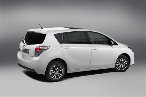 toyota a 2013 toyota verso mpv gets a facelift autoevolution
