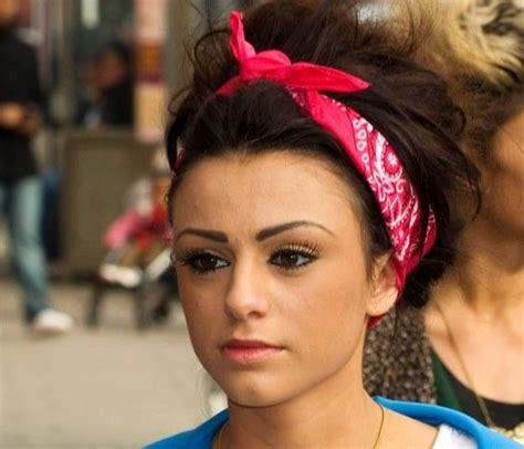 how to wear a bandana with short hair cher lloyd bandana hairstyle chic ways to wear a bandana