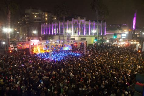 downtown la new years federal bar helps bring bands to downtown s new