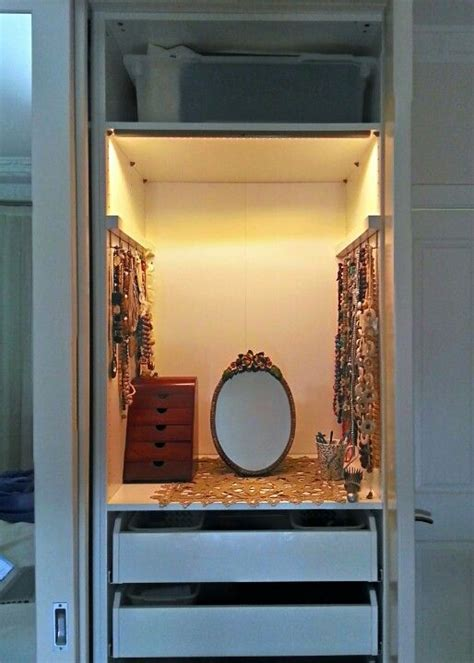 hack dressing table inside an pax wardrobe