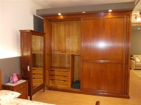 armadio ante scorrevoli legno armadio 2 ante scorrevoli in legno massello armadi a