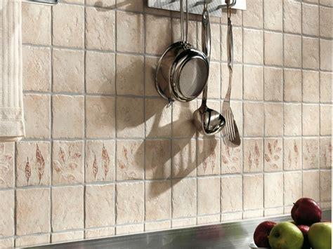piastrelle rivestimento cucina rustica rivestimento cucina ristrutturazione