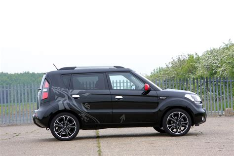 Kia Soul Accessories Uk Kia Soul Hatchback 2009 2013 Features Equipment And