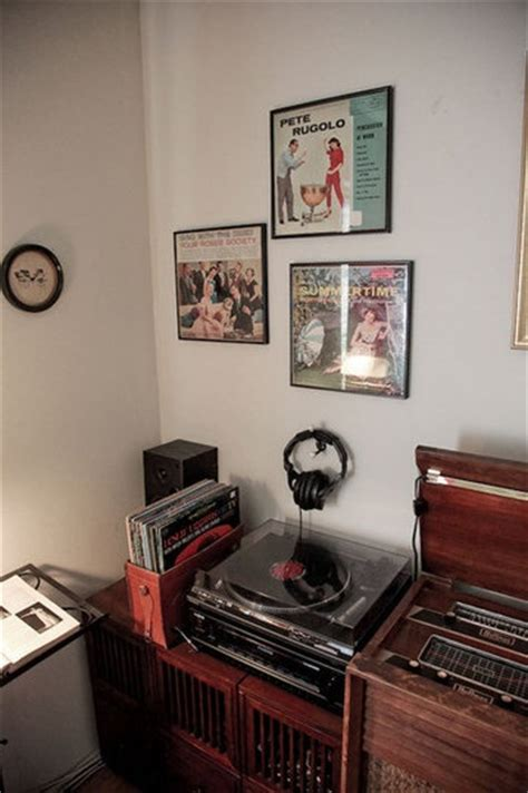 Cool Ways To Set Up Your Room by 1000 Images About Cool Ways To Store Display Vinyl On