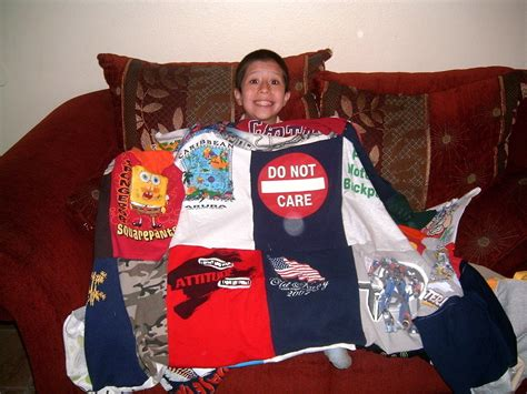 Blanket Out Of T Shirts by T Shirt Blanket 183 How To Recycle A T Shirt Quilt 183 Sewing