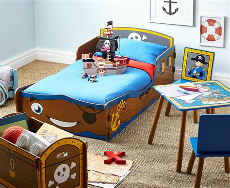 Pirate Room Decor Pirate Themed Bedroom Ideas For Toddlers With From Lou