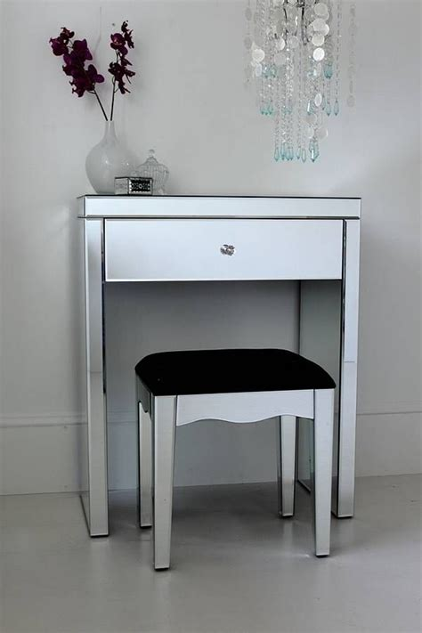 Bedroom Vanity Table Without Mirror by Small Mirrored Dressing Table Bedroom Design Ideas