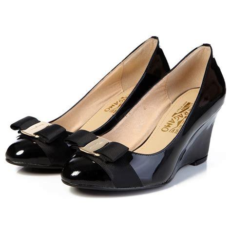 ferragamo womens shoes s salvatore ferragamo patent vara wedges pumps black