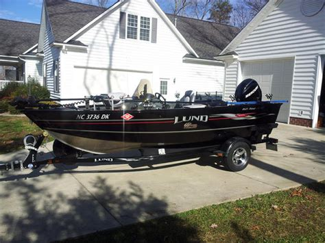 lund boat dealers in nc will a lund 2075 be good for crappie and striper fishing